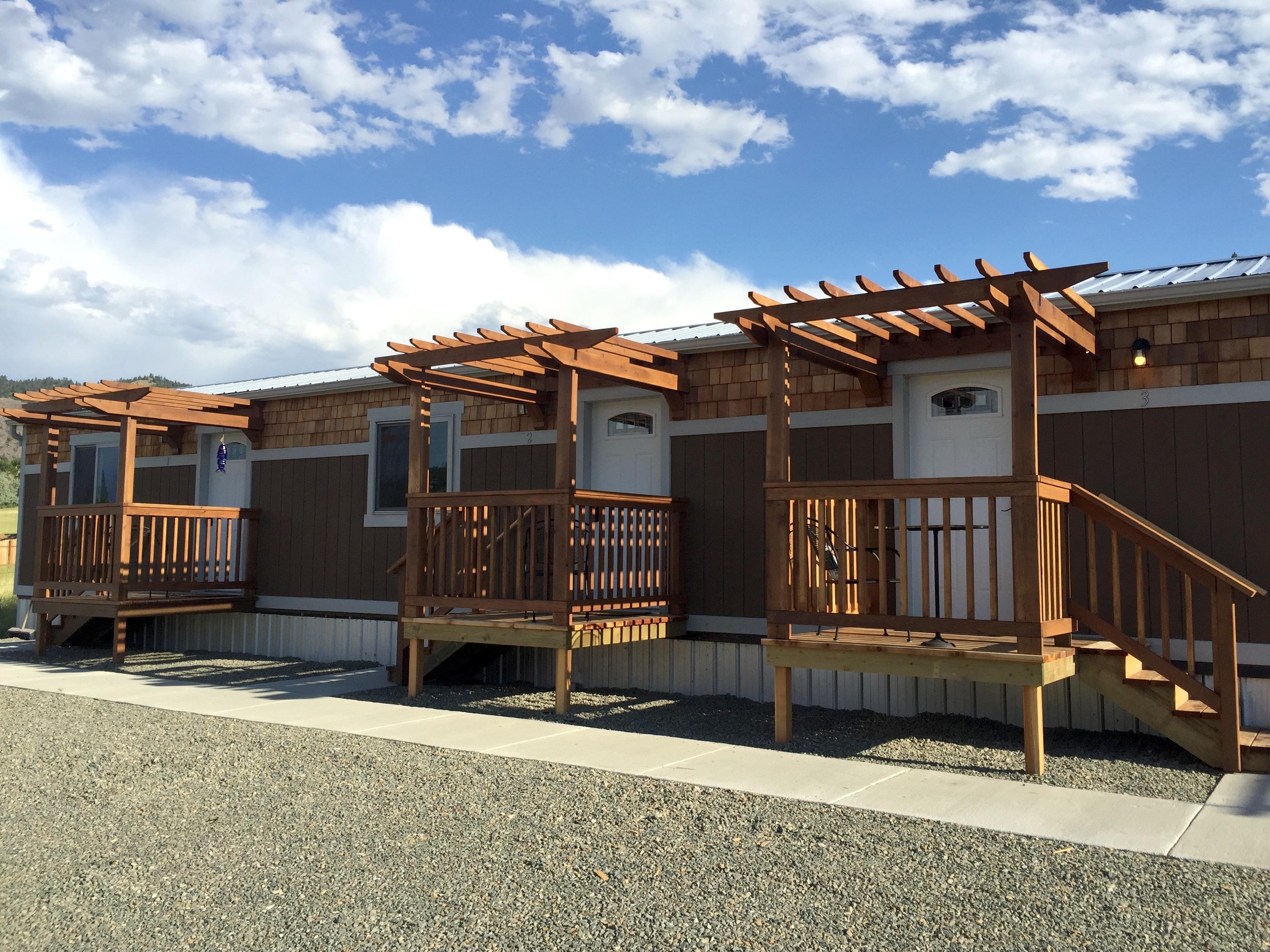 BobKat Mountain Retreat & Motel